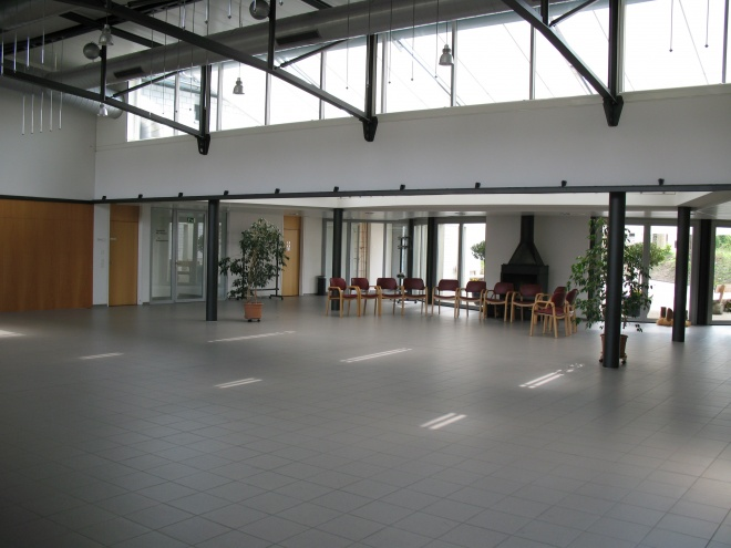 Saal und Foyer